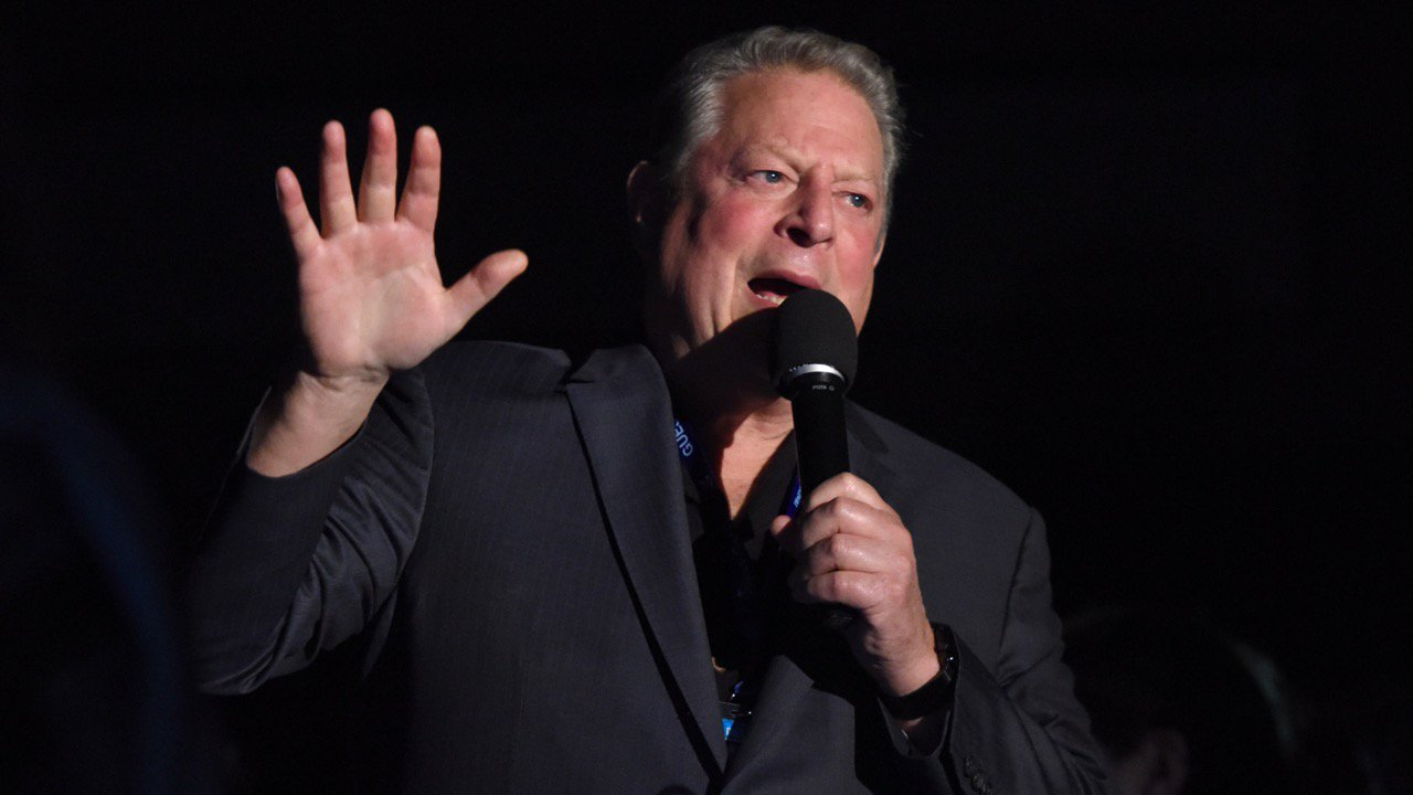 Al Gore's new movie exposes the big flaw in online movie ratings. https://t.co/6MZ4mdgvzt https://t.co/LRk18xJ1k4