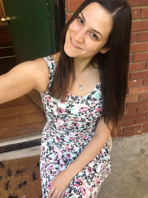 Keep me in your #ThursdayThoughts ;) #aunaturale #natural #nomakeup #prettybrunette #confidenceissexy