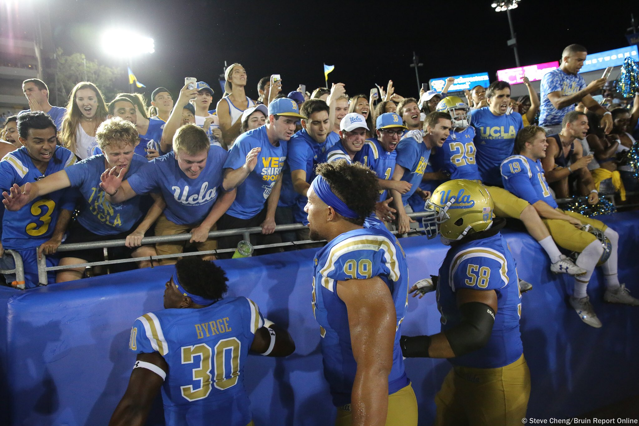 These are the moments you tell your kids about one day. This is The Den.  #GoBruins https://t.co/6rBE5sr8uw