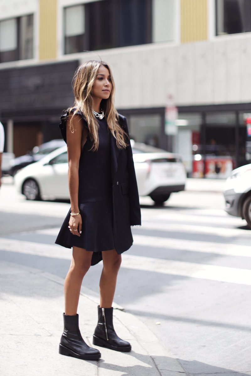 RT @SincerelyJules: New blogpost showcasing @hm Studio Collection AW '17! Pick your favorite! https://t.co/DXVirTLZ6W https://t.co/caILqC9R…