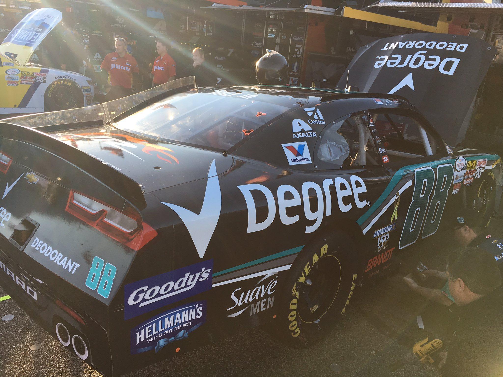 Early morning prep work on @DaleJr's @DegreeMen ride for tonight's @NASCAR_XFINITY race. https://t.co/4ZuhmVrAW5