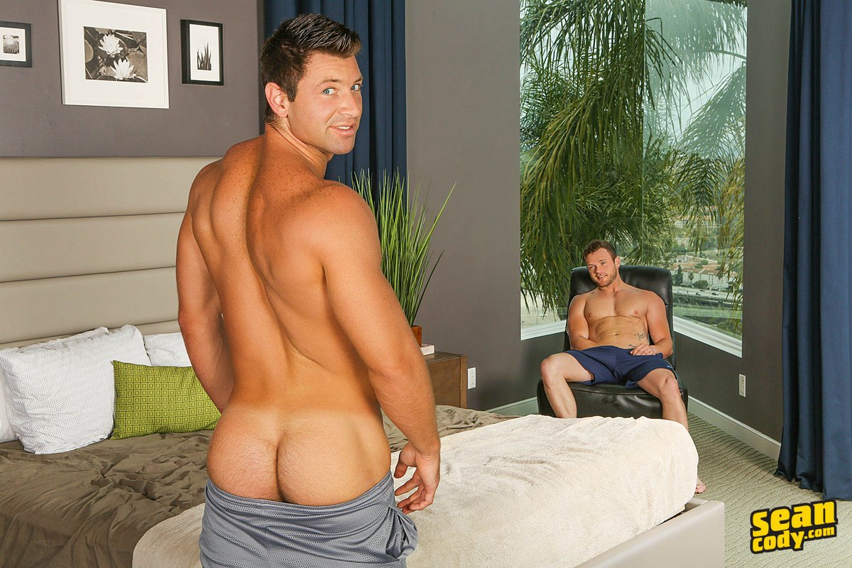 4 pic. #SCteaser Shaw makes Sean a very happy top in tonight's scene! #SeanCody #SCscene #MuscleHunk