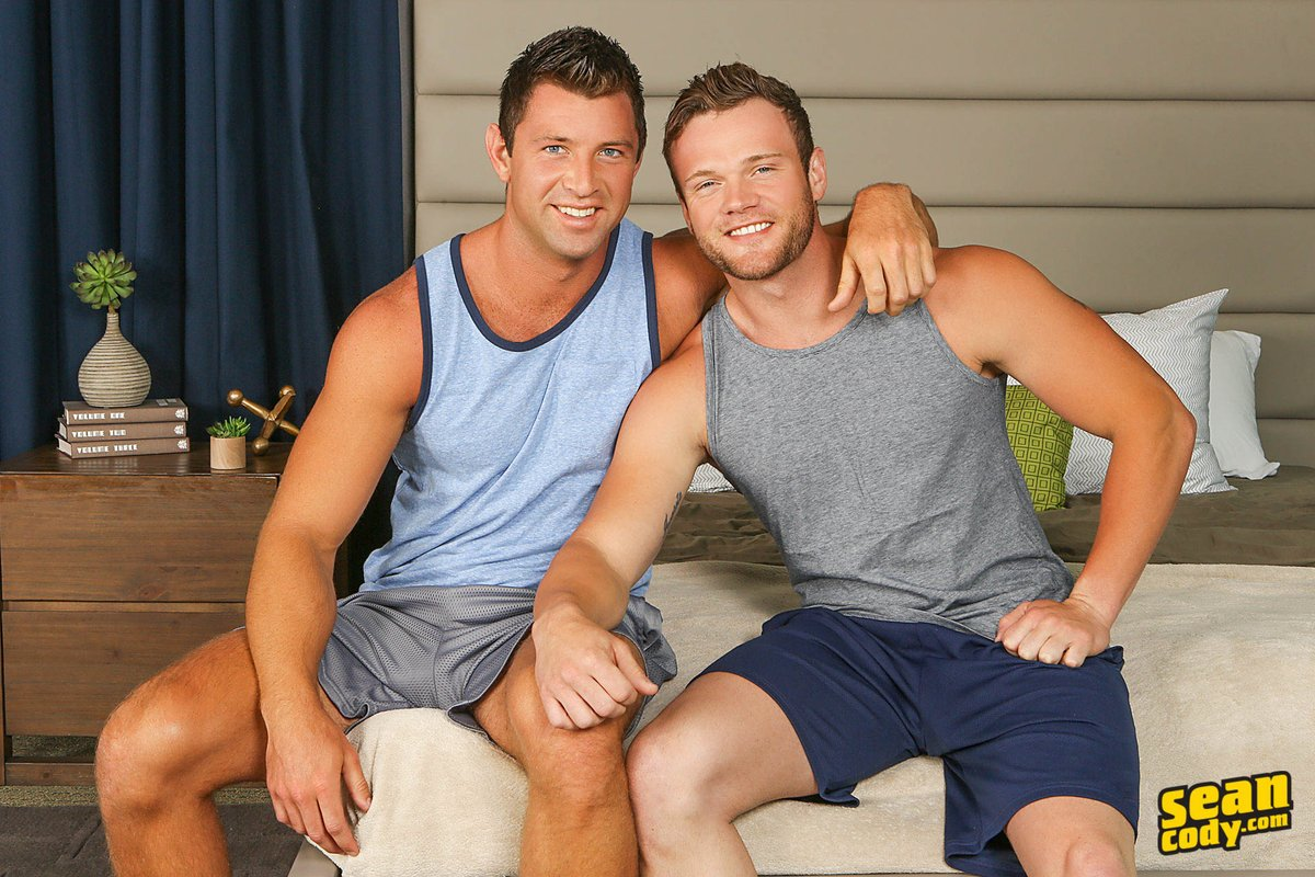 2 pic. #SCteaser Shaw makes Sean a very happy top in tonight's scene! #SeanCody #SCscene #MuscleHunk