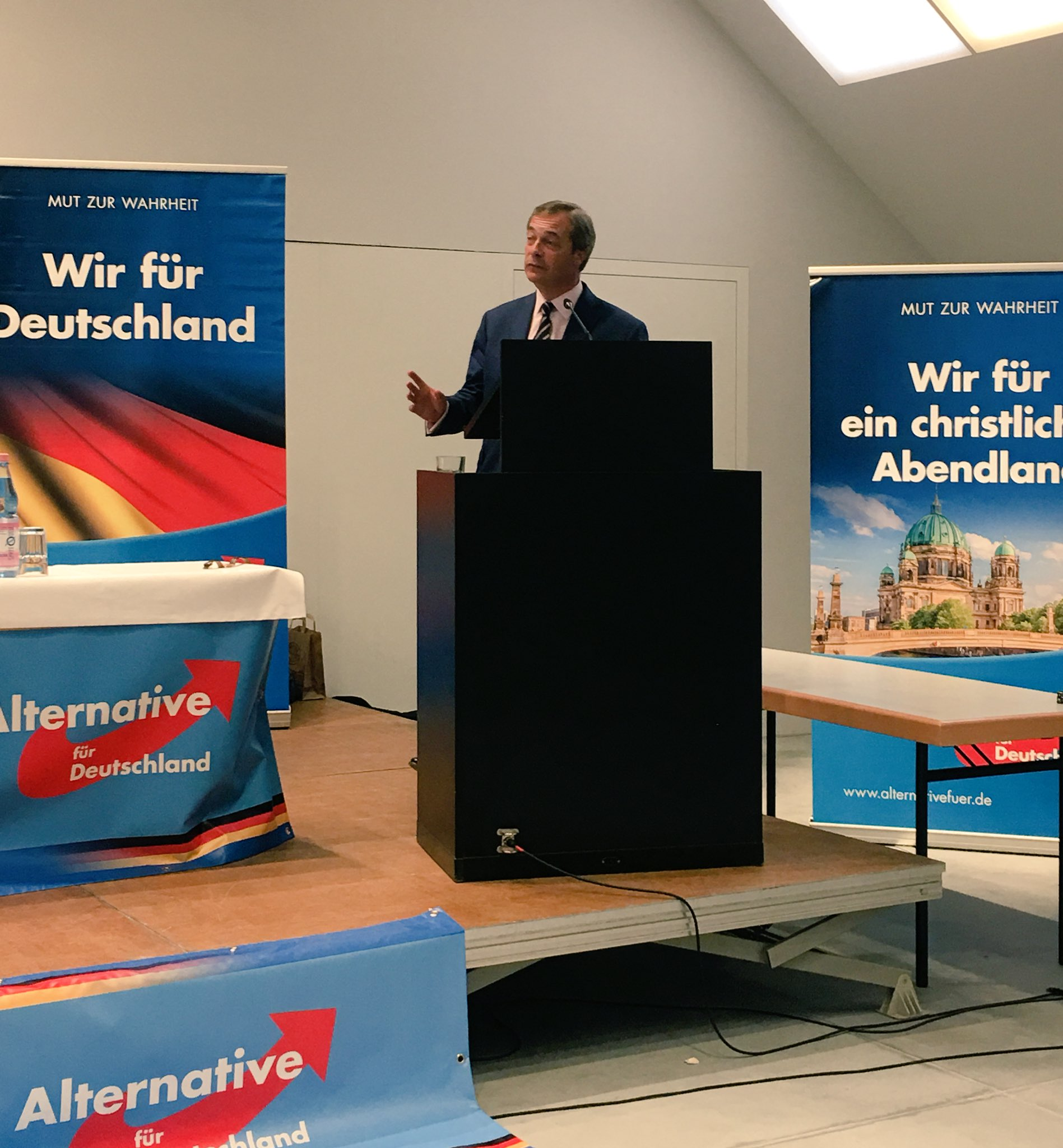 I am speaking LIVE from Germany on Brexit. Watch here: https://t.co/lb2RbPpE63 https://t.co/07PGfxGB88