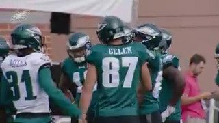 Exclusive: Brent Celek mic'd up during #EaglesCamp #FlyEaglesFly https://t.co/sIPHLVVhjZ