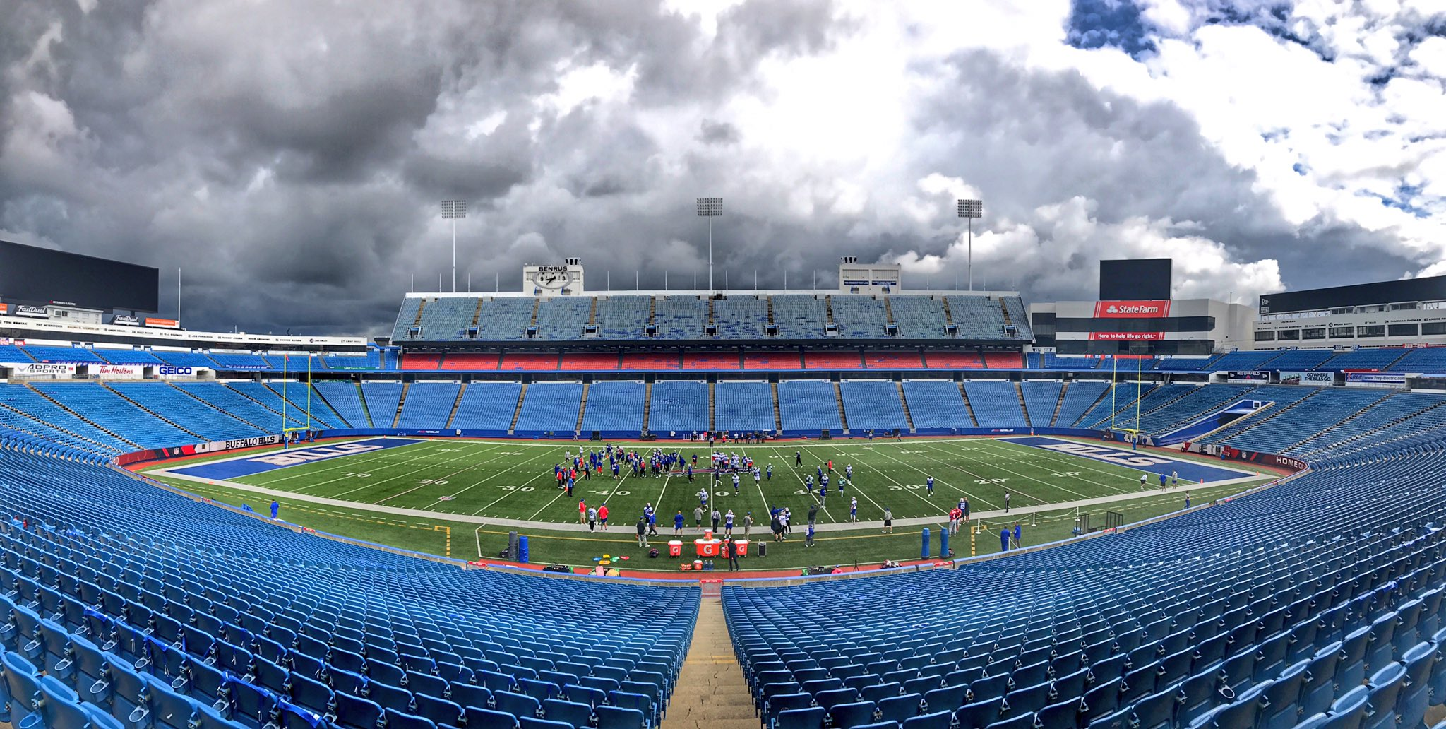 Two days until you're right here with us. ✊️ #GoBills https://t.co/RnJwanWxgH