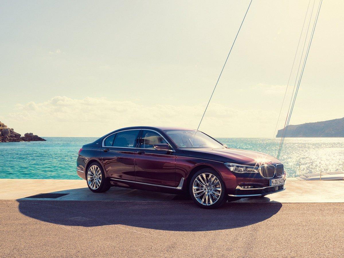 L'eleganza di uno yacht, le prestazioni di una #MPerformance. @Nautorswan ha ispirato la #BMW #M760Li Individual. https://t.co/haB8cOnkN6