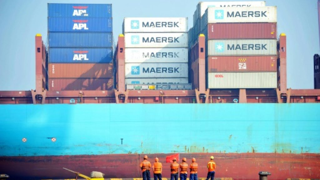 China export growth slows in August but imports pick up