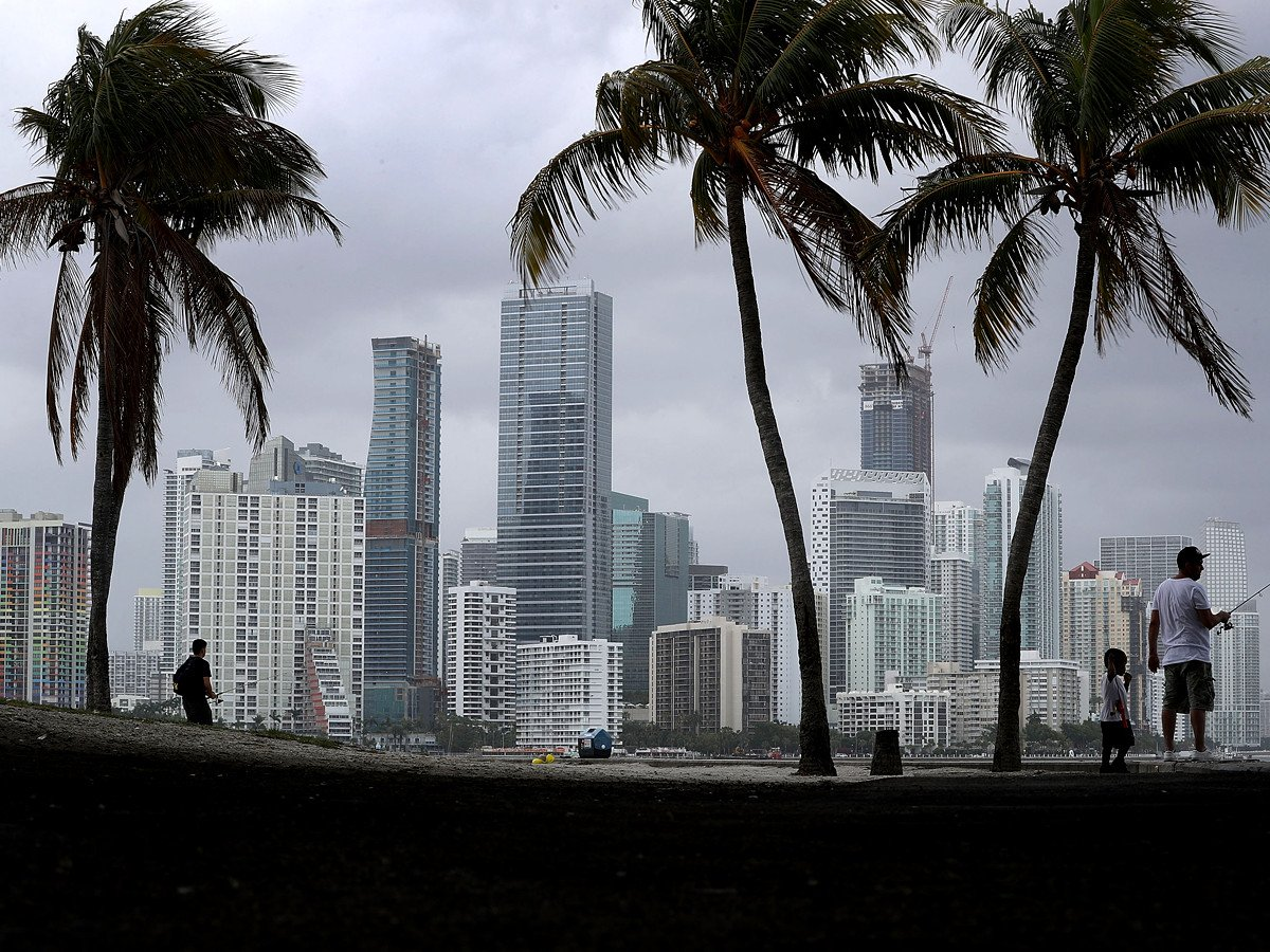 Will Miami's skyscrapers withstand Irma? https://t.co/MXNtR4NY4z https://t.co/RWJJOFv1ar
