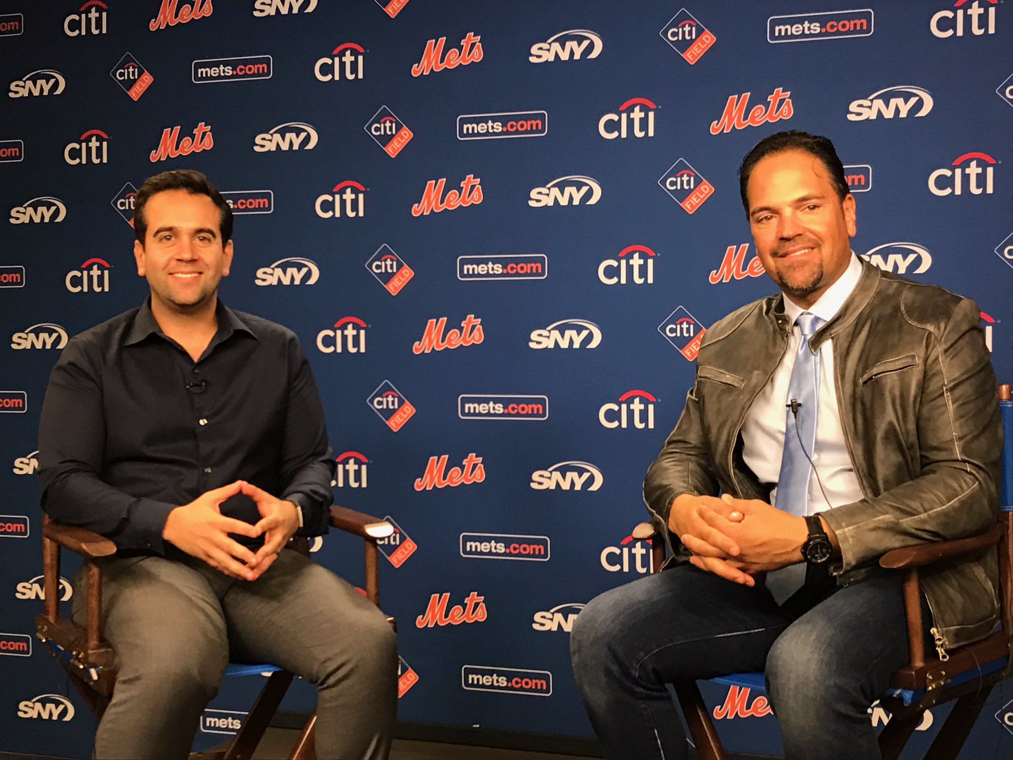 We are live on Facebook with @mikepiazza31 right now! Tune in �� https://t.co/4TFGLh6grI https://t.co/slrlbvTDr2