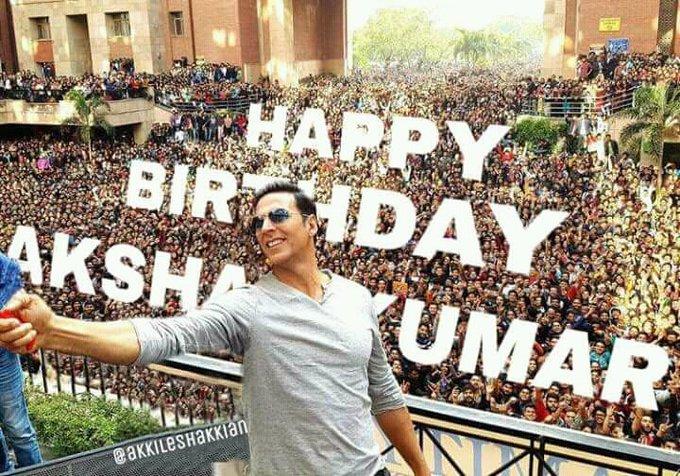 h Bollywood Ki Sabse Bada Khiladi ka happy vala birthday.. I LOVE YOU AKSHAY KUMAR