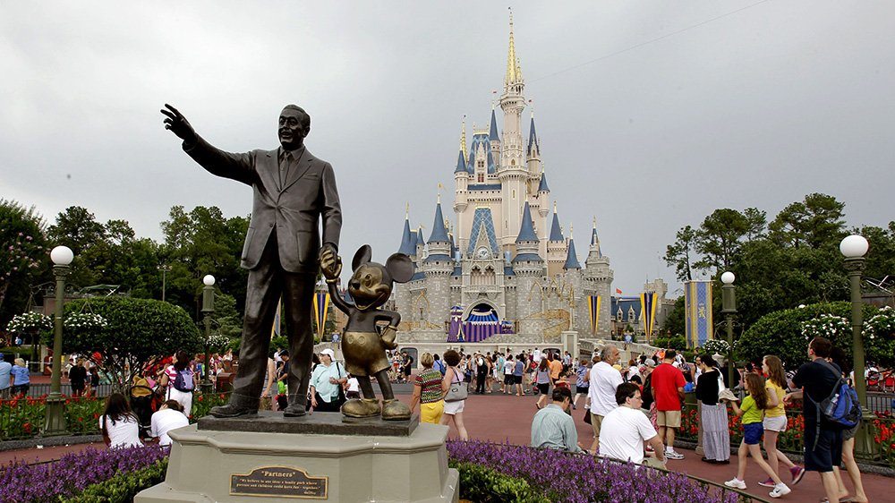 Disney World, Universal Studios, SeaWorld to close due to