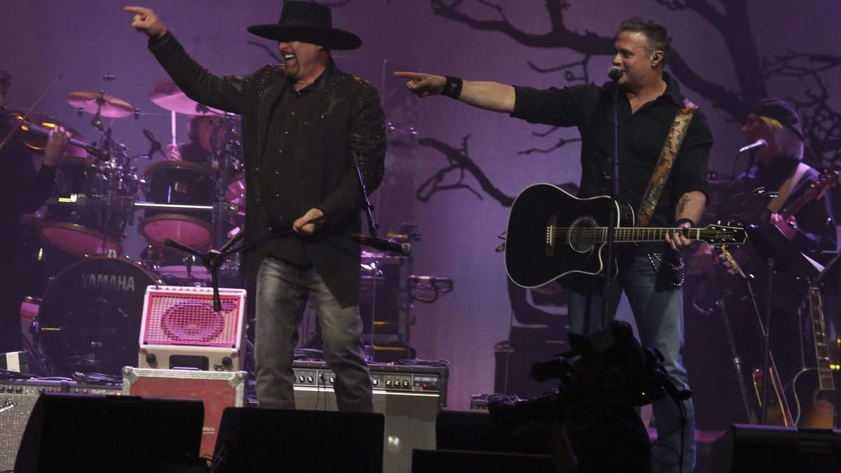 Troy Gentry, of country music group Montgomery Gentry, killed in helicopter crash