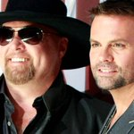 Country singer Troy Gentry of Montgomery Gentry dies in helicopter crash