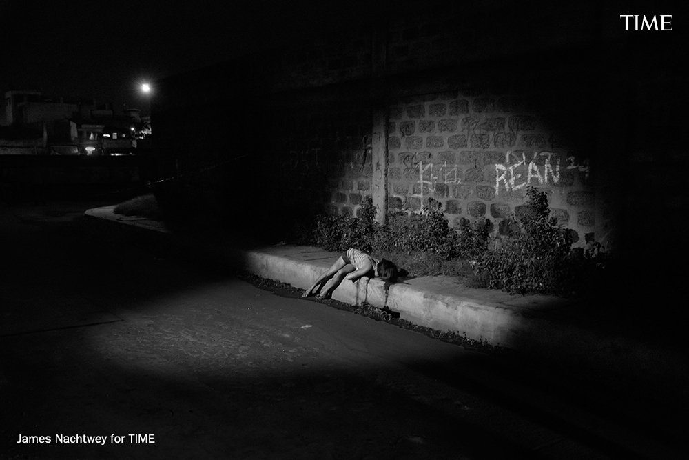 Photographs from the front lines of Philippines' violent drug war by James Nachtwey https://t.co/tHL4yYQQXI https://t.co/sYU0SgOtGl