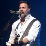 Country singer Troy Gentry killed in helicopter crash
