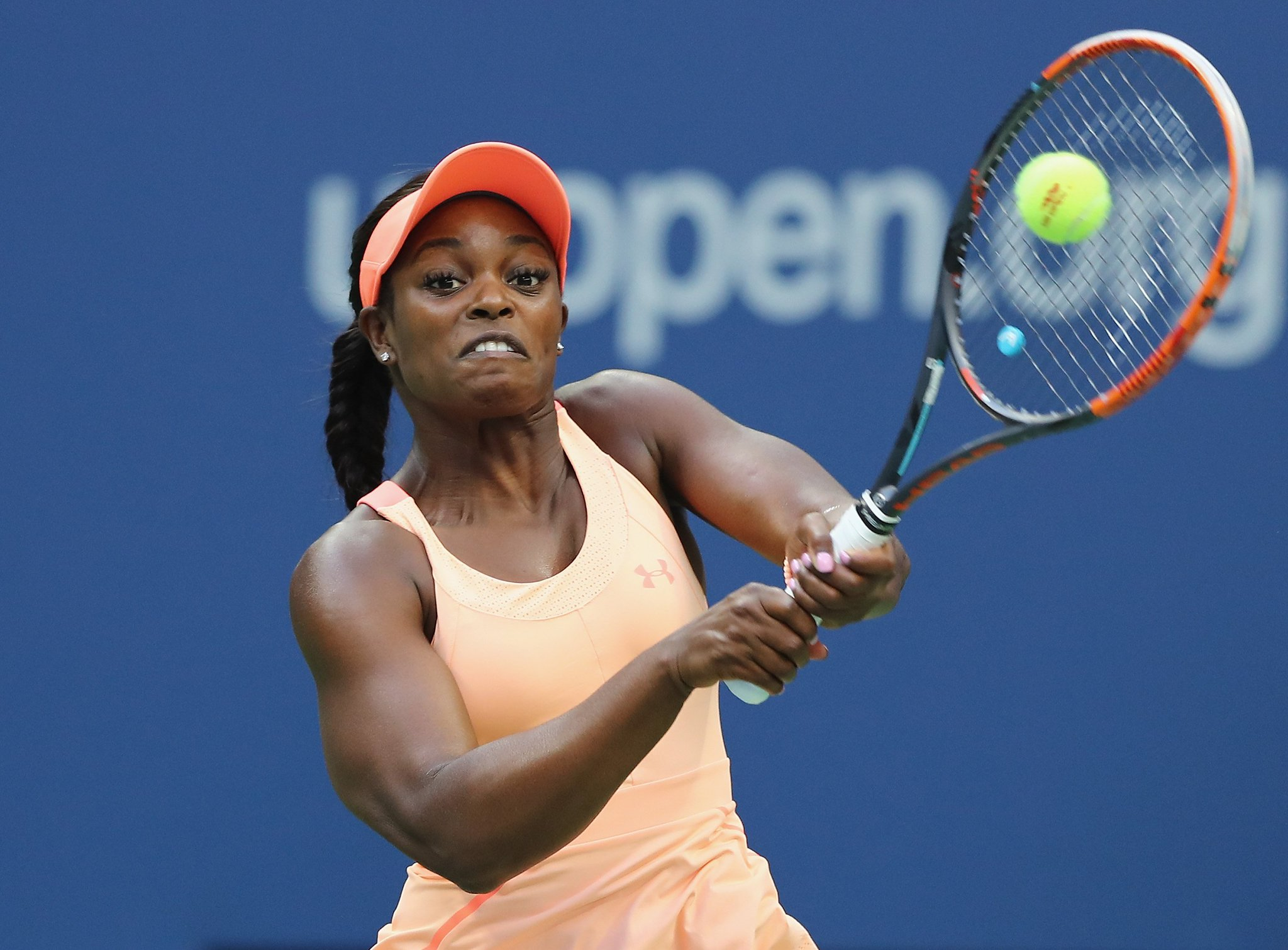 All square in NYC in the first set  Keys 2-2 Stephens  #USOpen   Live text & radio https://t.co/7RjzyIYjyq https://t.co/PGFIkLIAQ7