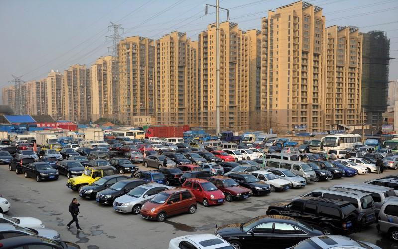 China studying when to ban sales of traditional fuel cars: Xinhua