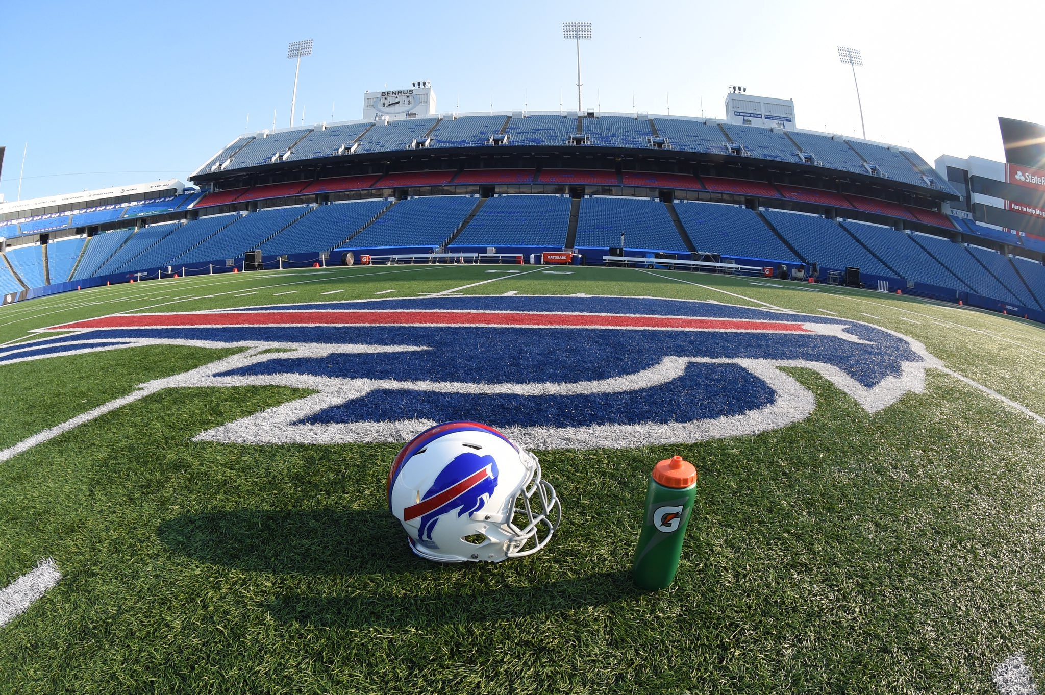 Football is in the air.  #WinFromWithin #GoBills https://t.co/lm5Q0HeLve