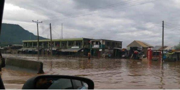 Niger River authorities warn of flooding in Benin, Nigeria