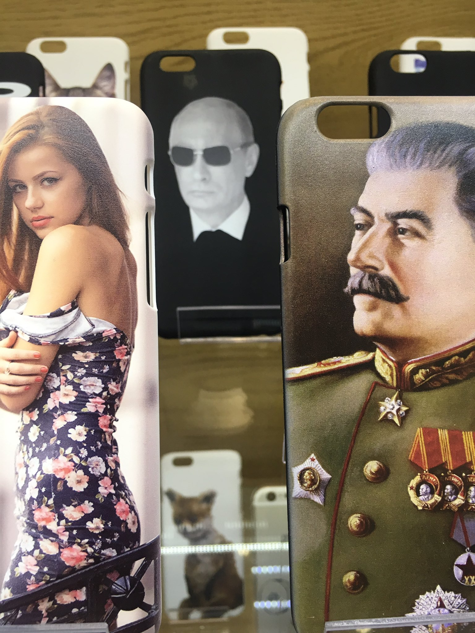 Smart phone covers on sale in Moscow. https://t.co/kCBfwk0uSR