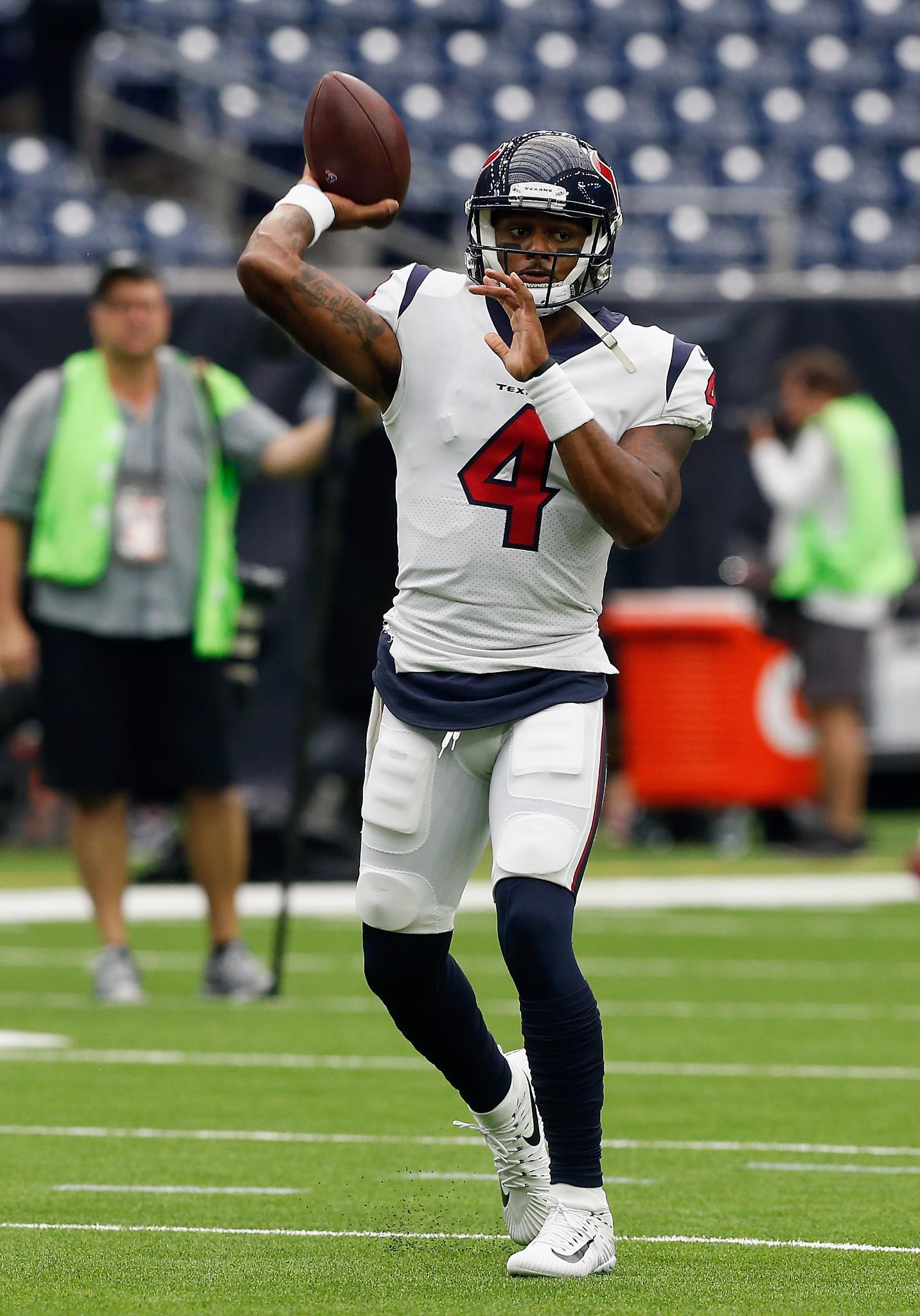 Now in at QB for the Texans: Deshaun Watson https://t.co/2kFVRvB35X