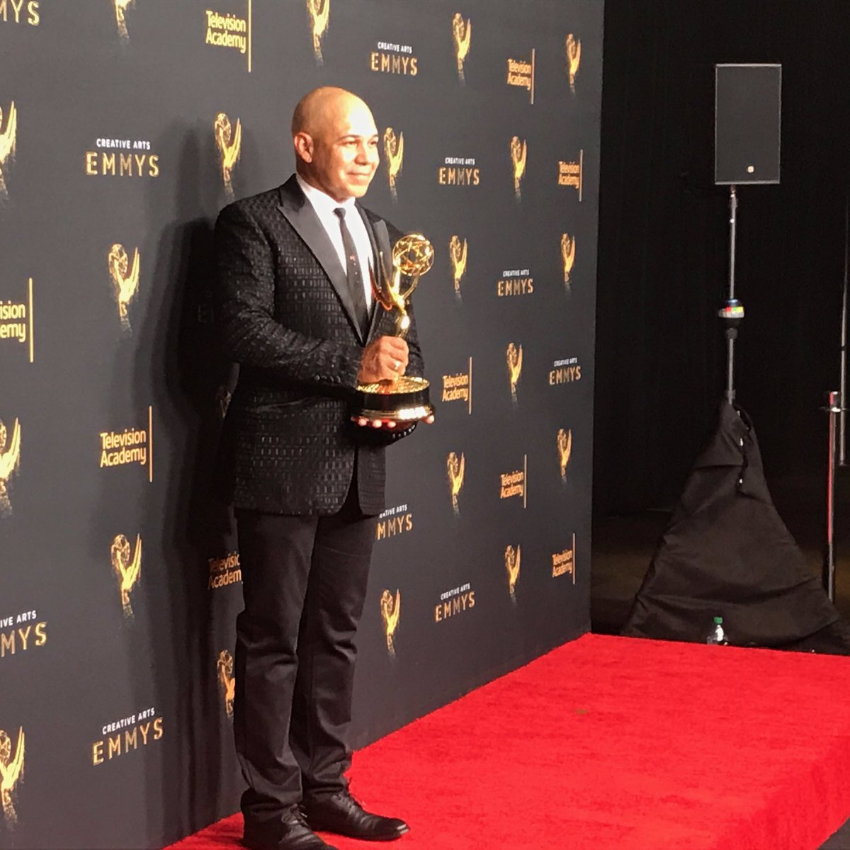 RT @SHO_Shameless: Congrats to #Shameless stunt coordinator @iameddieperez on his repeat win! ???? #EmmyArts https://t.co/G6NR7NSup6