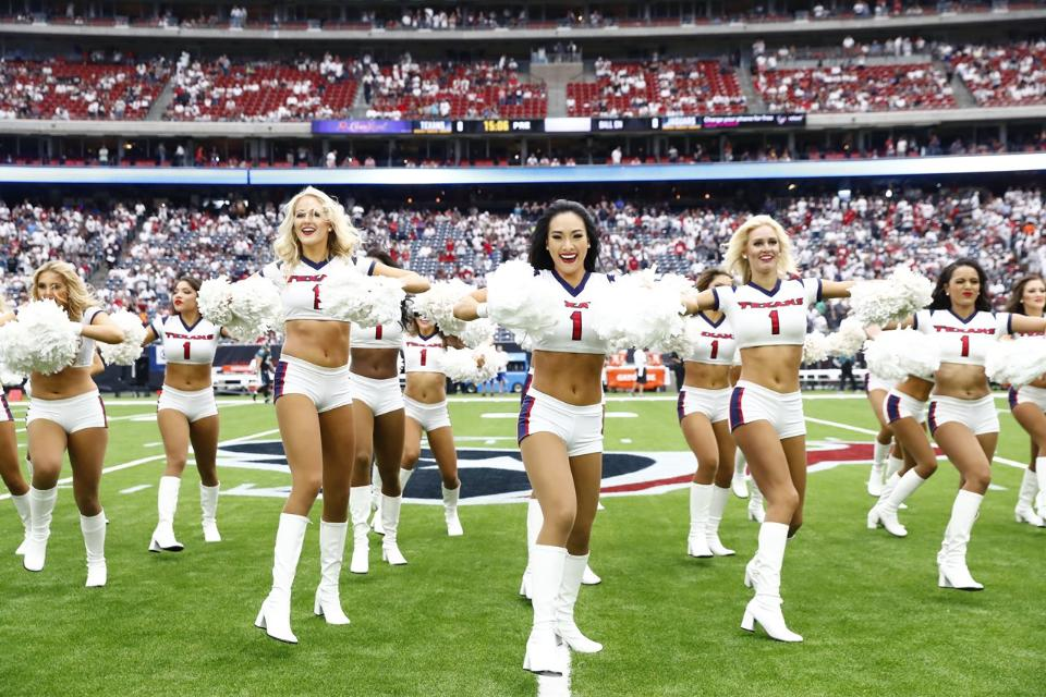 �� Check out photos of the best NFL cheer team: @TexansCheer.  ��: https://t.co/rAiYmzSUCp https://t.co/9MPpg4bBu0