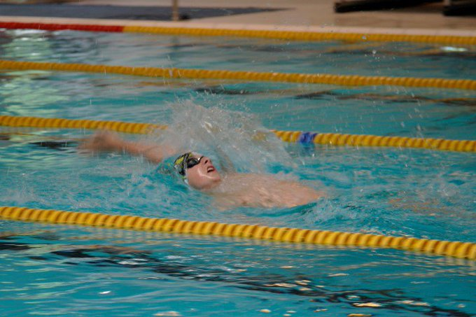 ZV Westland zwemmer Niels Dijkshoorn scoort drie keer goud https://t.co/yXew4w4lhq https://t.co/QnqwgavblP