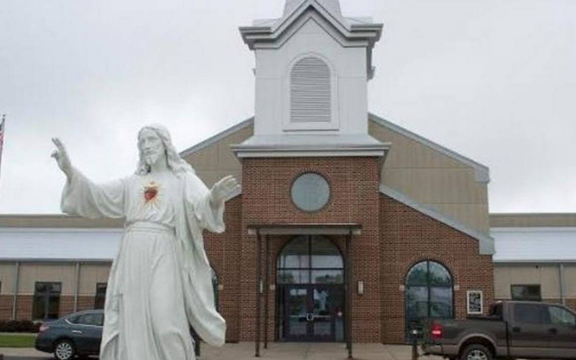 Pastor at Gardner church placed on leave amid investigation of finances