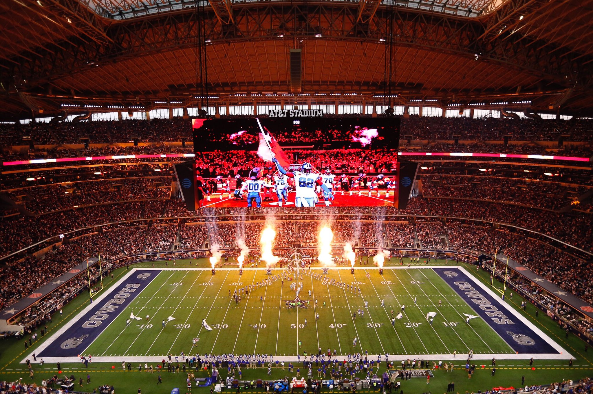 #CowboysNation you brought the ��  Total attendance for #NYGvsDAL is 93,183 https://t.co/PmttBtxT42