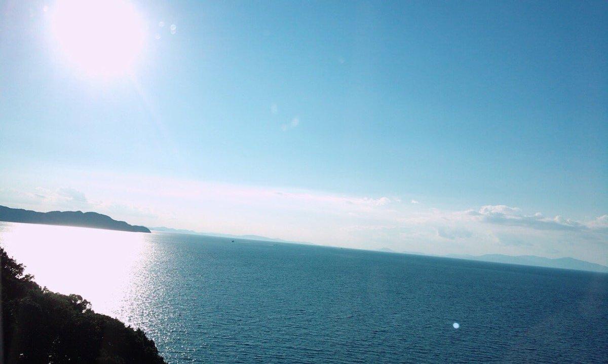 ①川上礼奈②うどんの国らへんの海がきれいで、海はみんなを見守ってる感じがしてれなぴょんはキャプテンとしてみんなを見てい