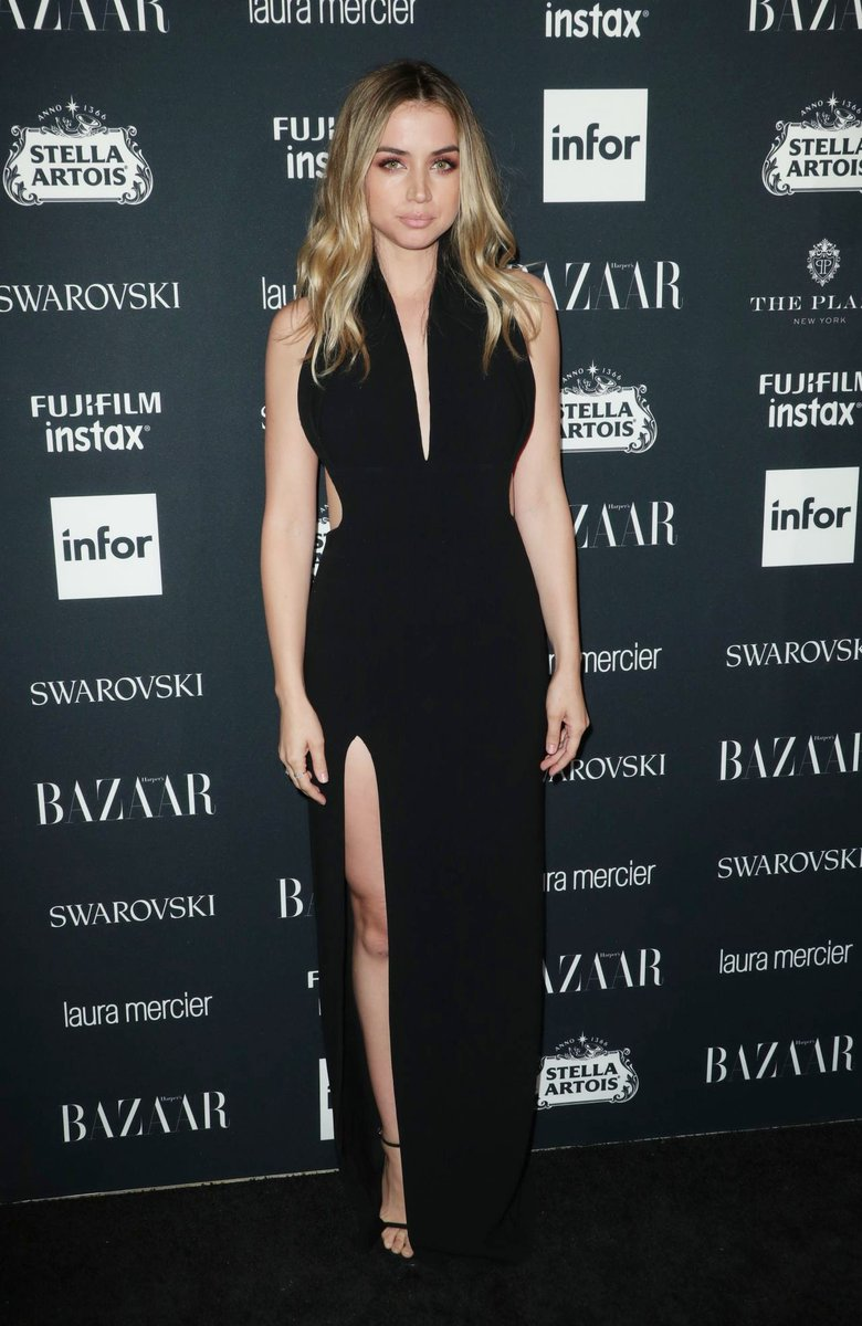 Ana de armas wore a black velvet fall 2017 gown to the event ...