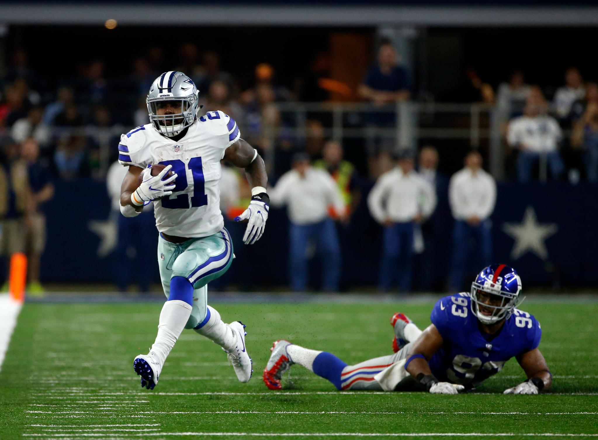 The NFL has filed appeal of running back Ezekiel Elliott's preliminary injunction.  ��: https://t.co/mWLhpaGLjb https://t.co/5HEPWhhqGJ