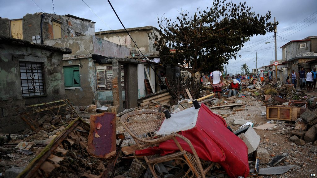 At least 10 people in Cuba killed by Hurricane #Irma, officials say   Latest: https://t.co/UdD3BRzou2 https://t.co/79u3xDGcXm