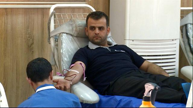 Iraq: Kurdish civilians donate blood to victims of ISIL violence