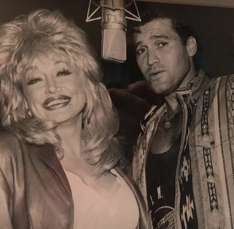 Keepin it in the family @DollyParton @billyraycyrus #Dad #FairyGodmother https://t.co/Zw0AmRDUkt