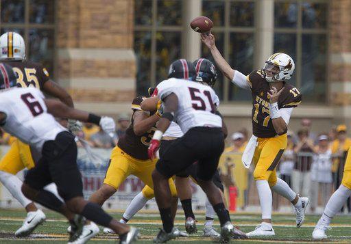 Josh Allen, Wyoming passing game find success Saturday after struggles in Iowa