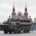 Turkey inks deal to buy Russia's S-400 missile defence system in blow to Nato unity