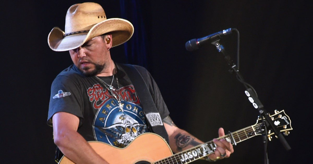 See Jason Aldean honor Troy Gentry with a cover of Montgomery Gentry's 'Lonely and Gone' https://t.co/azyCktkLJV https://t.co/OiQjshkBvv