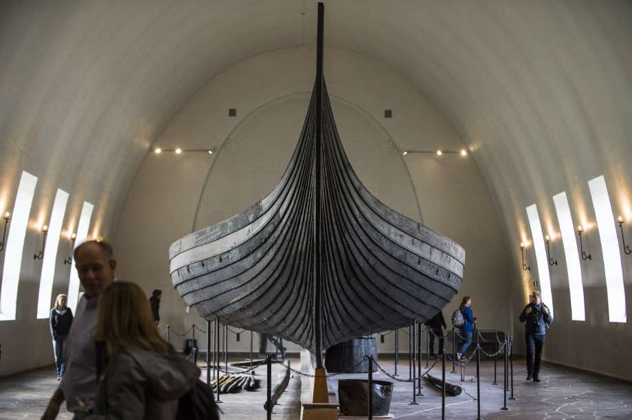 Scientists say DNA tests show Viking warrior was female