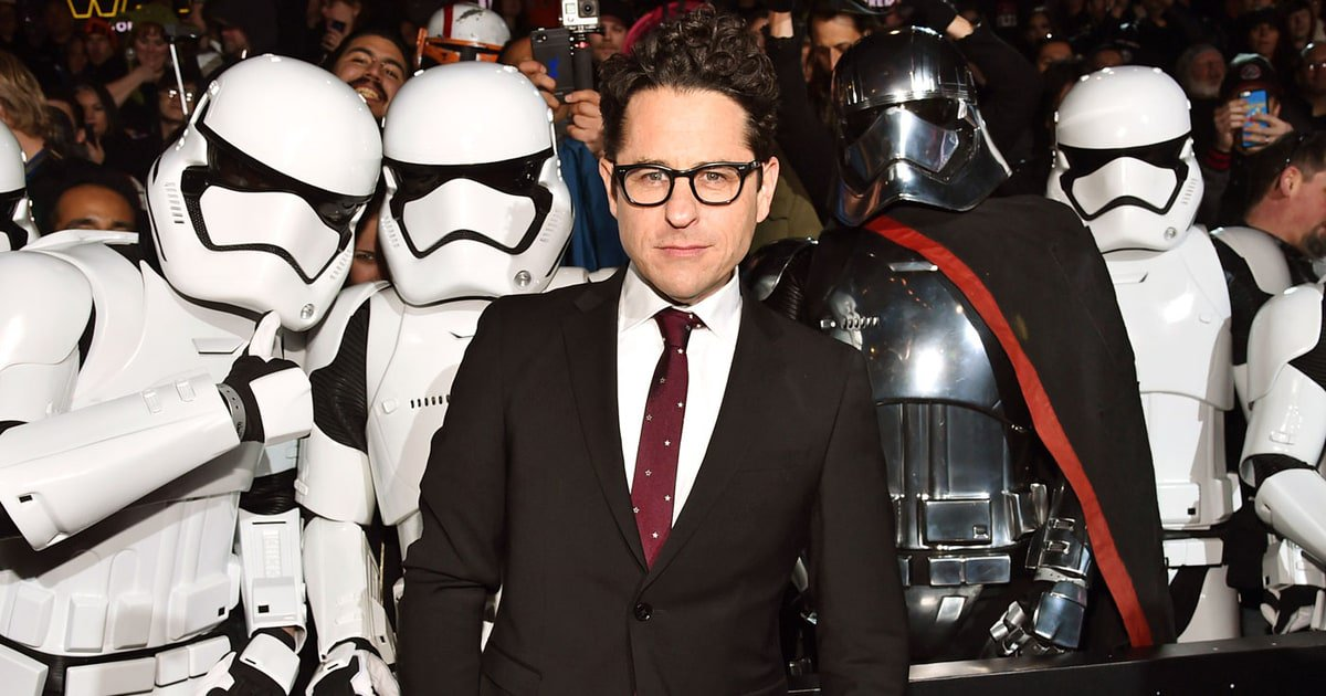 J.J. Abrams announces he will direct and write #StarWars: Episode IX https://t.co/O9wsT8eilW https://t.co/MHrWbD16qH