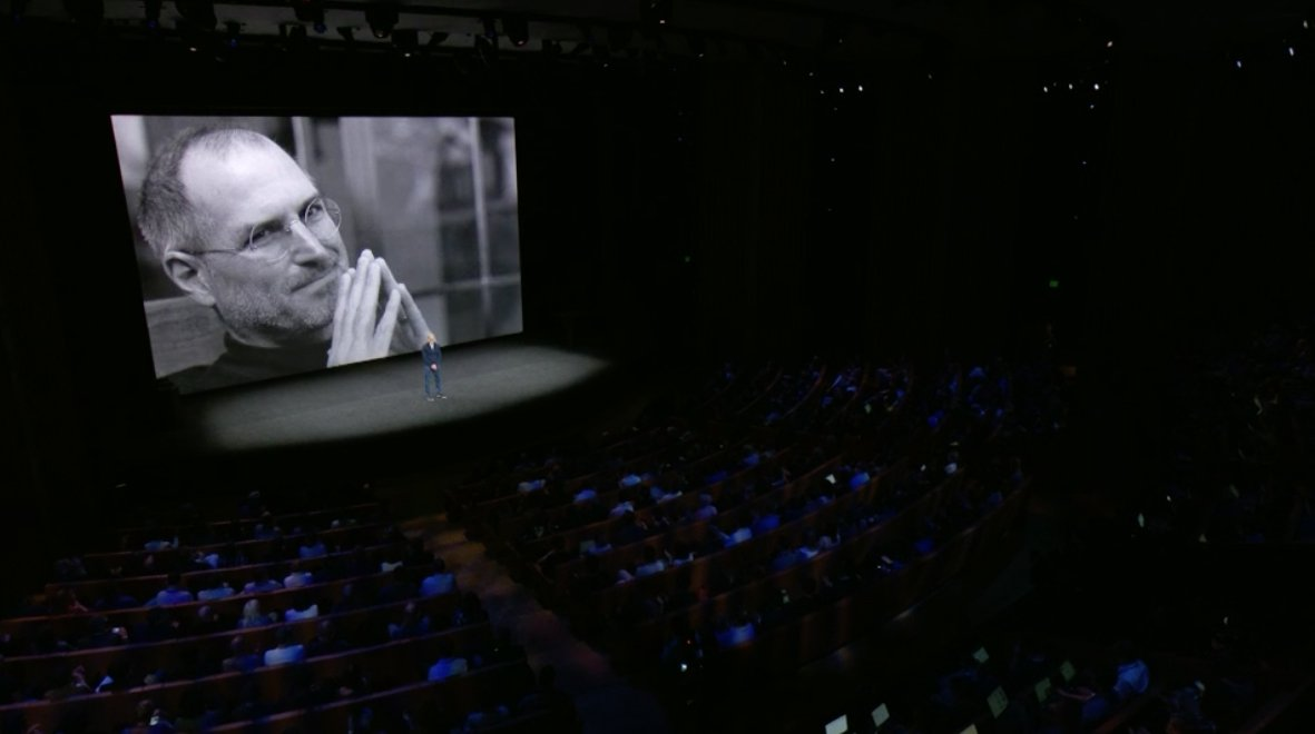 """""""There's not a day that goes by that we don't think about him."""" - @tim_cook on Steve Jobs. #AppleEvent https://t.co/NiepHHdi84"""