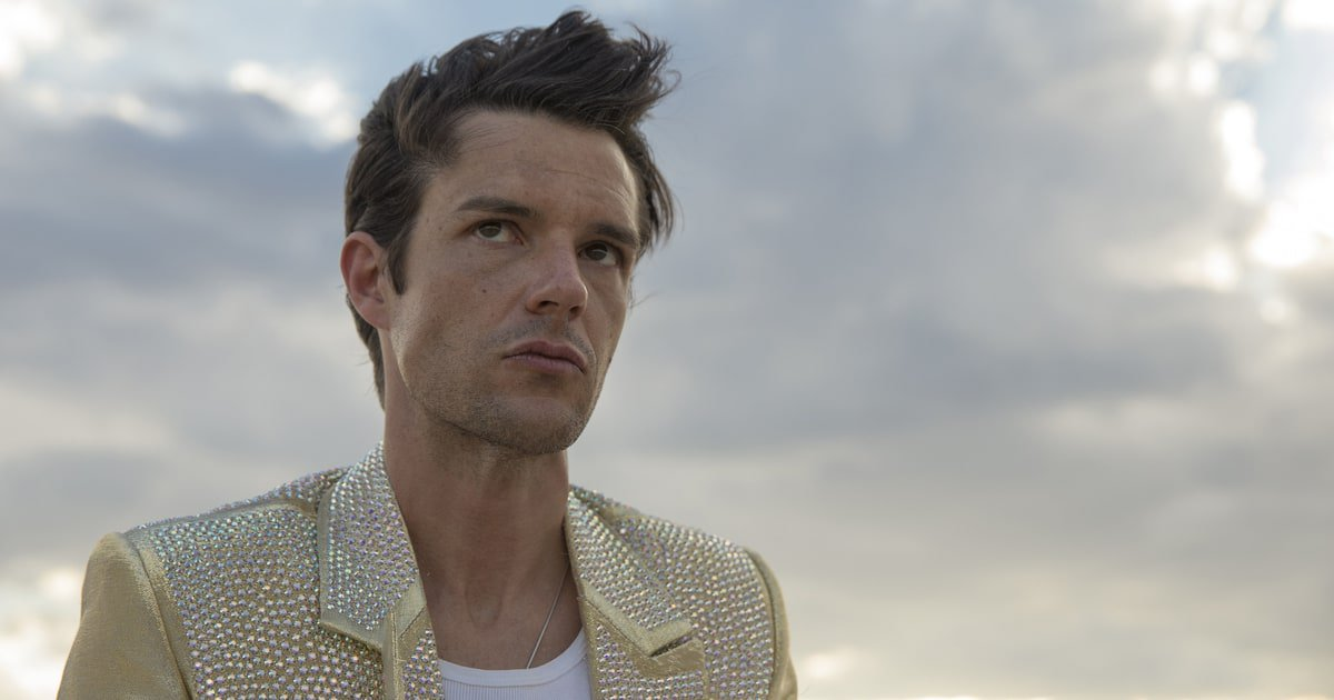 The Killers' Brandon Flowers on Mike Tyson, Mormonism, 'Mr. Brightside' and more https://t.co/6vNxQ43dg2 https://t.co/V5aEF5tAaO
