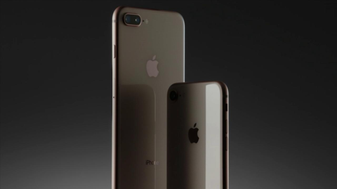 This is the new #iPhone8! #AppleEvent https://t.co/YflHBZdyf7