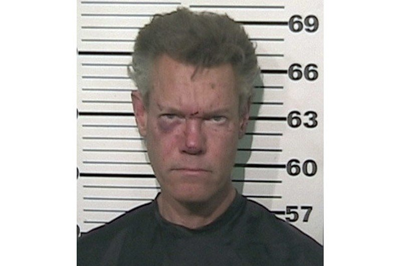 Singer Randy Travis moves, again, to block tape of 2012 DWI arrest