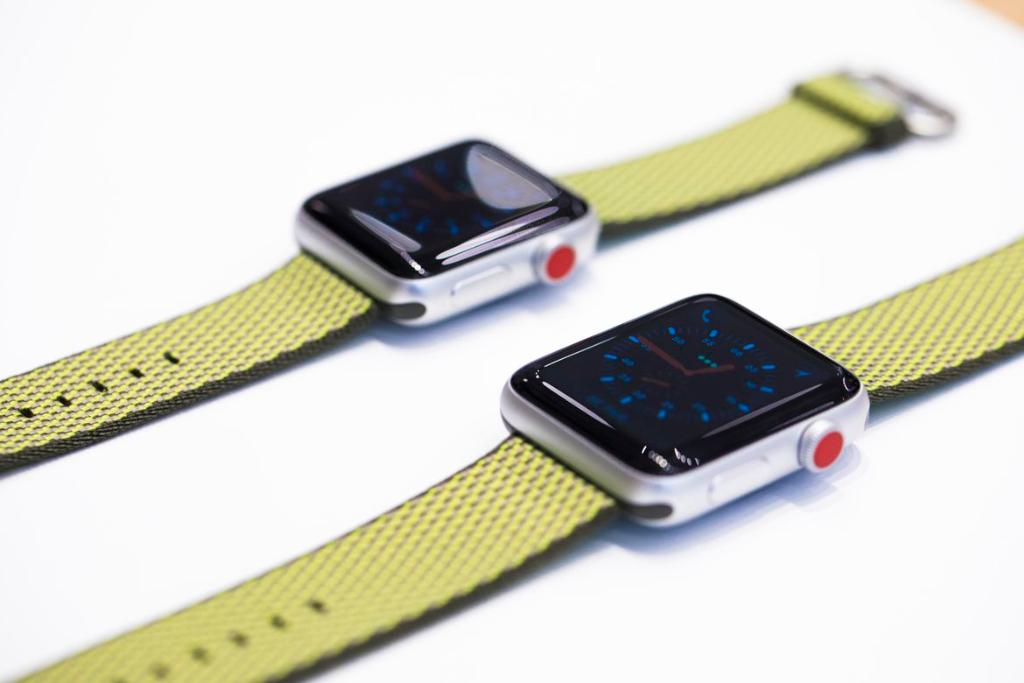 An up-close introduction to the #AppleWatch Series 3 https://t.co/cRMCnat19t https://t.co/diICA5NOsJ