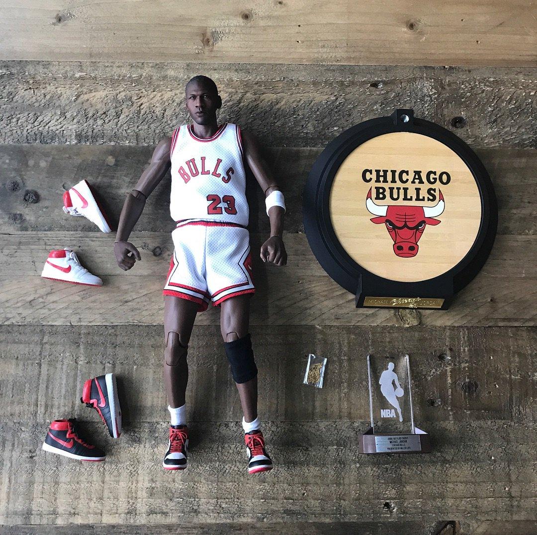 ENTERBAY x HK-Kicks Michael Jordan Rookie Edition https://t.co/EnWtcwsmYg