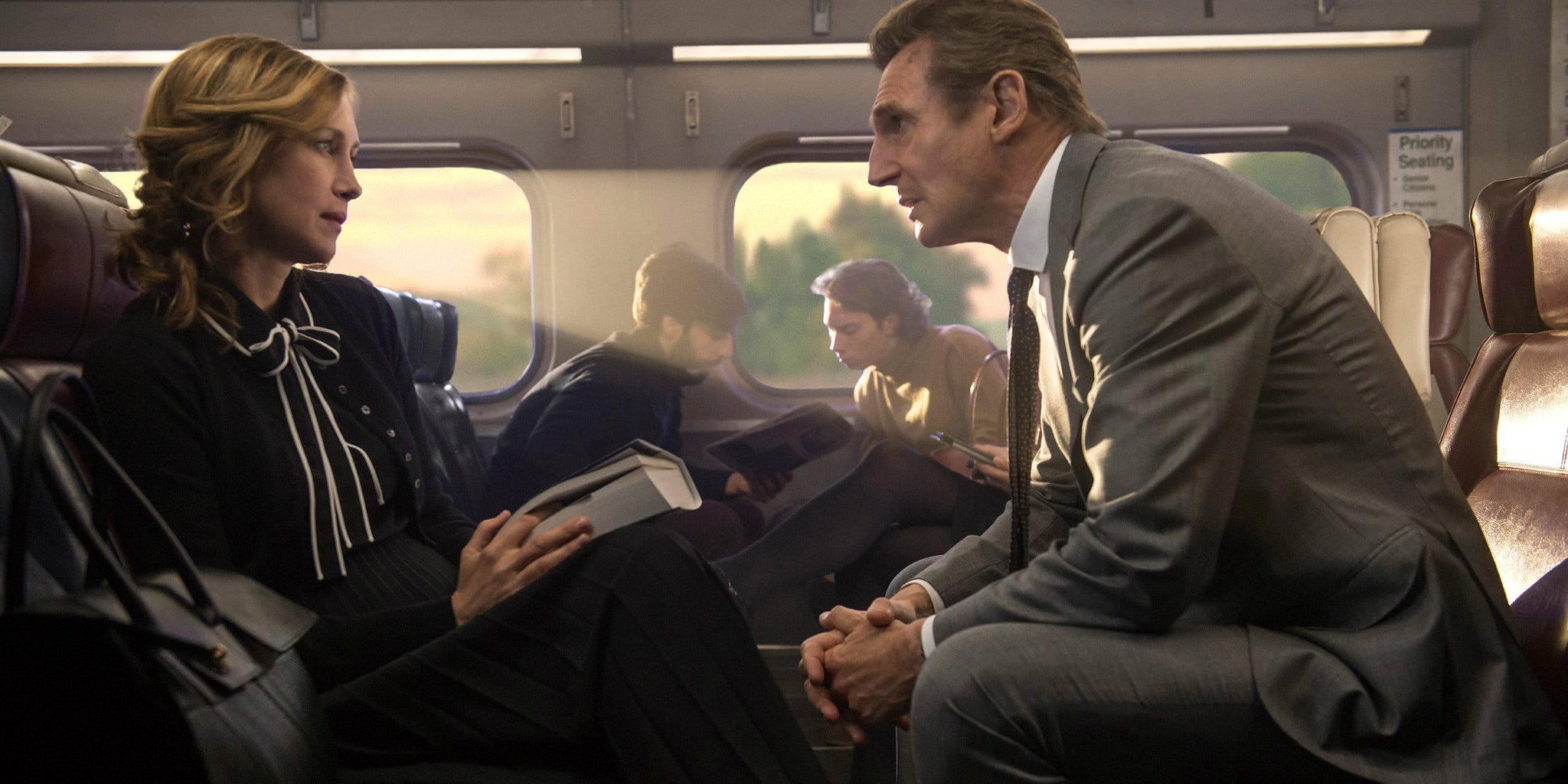 #LiamNeeson's back in action: https://t.co/wQFOLdBqtD @TheCommuterFilm #verafarmiga https://t.co/mJ4XPOlxLQ