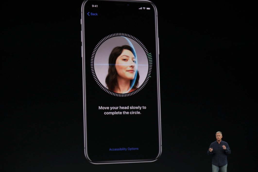 Face ID is replacing Touch ID on the new iPhone X https://t.co/TJfJQxwz4N https://t.co/0Hw1hUJbFa